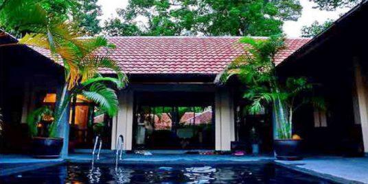 Bang Kao location villa 3 chambres piscine spa fitness