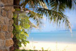 Maenam beach villa douche plage_resize