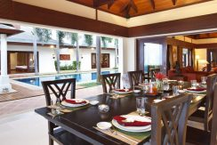 Villa luxueuse Maenam salle a manger dehors (3)_resize