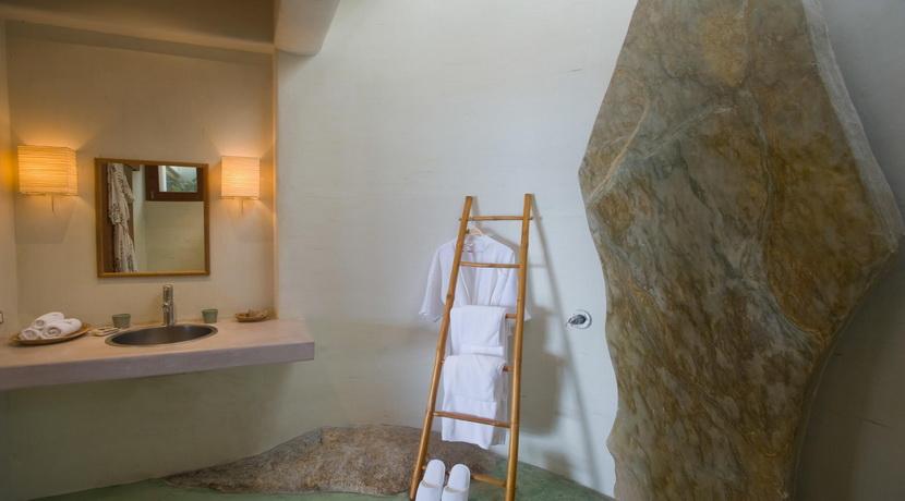 21-Samudra-master-suite-bathroom_resize