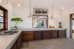 60-Samudra-Treehouse-kitchen_resize