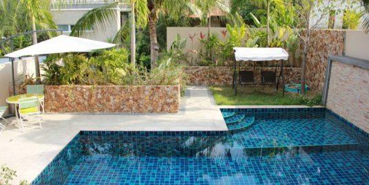 A louer Chaweng Noi villa 3 chambres piscine 700 m plage