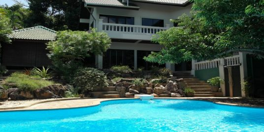 A louer villa Chaweng Koh Samui 4 chambres piscine
