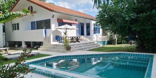 A louer villa Maenam 2 chambres piscine à 50 m plage