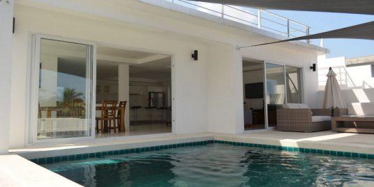 Chaweng villa à louer 3 chambres piscine solarium vue mer