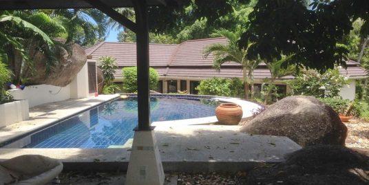 Location long terme villa 3 chambres piscine Lamai