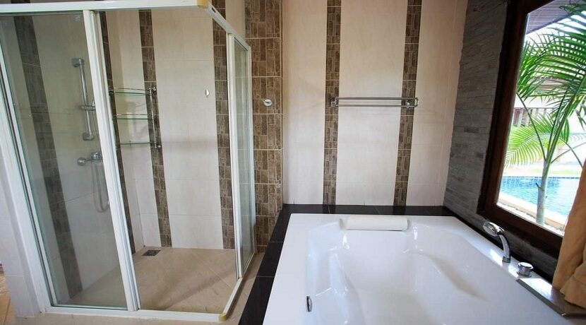 Villa 4 chambres à Bophut Koh Samui à vendre 025