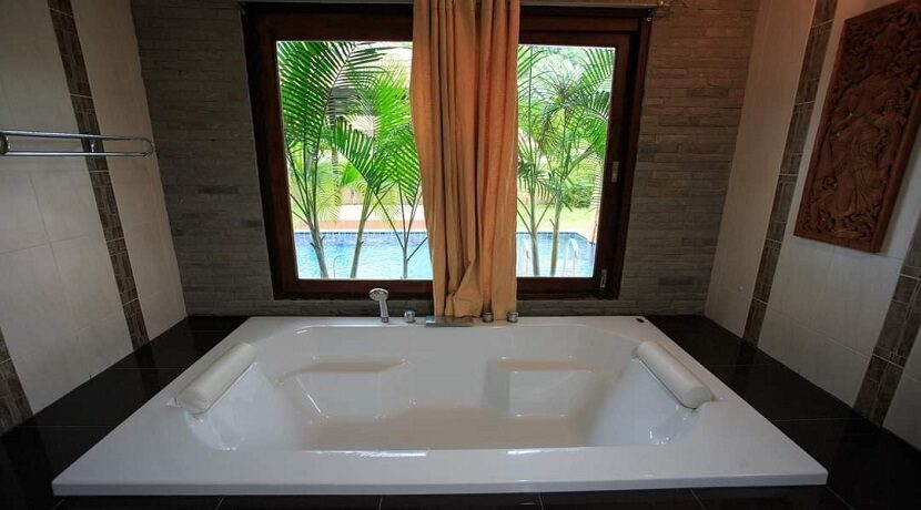 Villa 4 chambres à Bophut Koh Samui à vendre 026