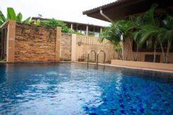 Villa 4 chambres à Bophut Koh Samui à vendre 028